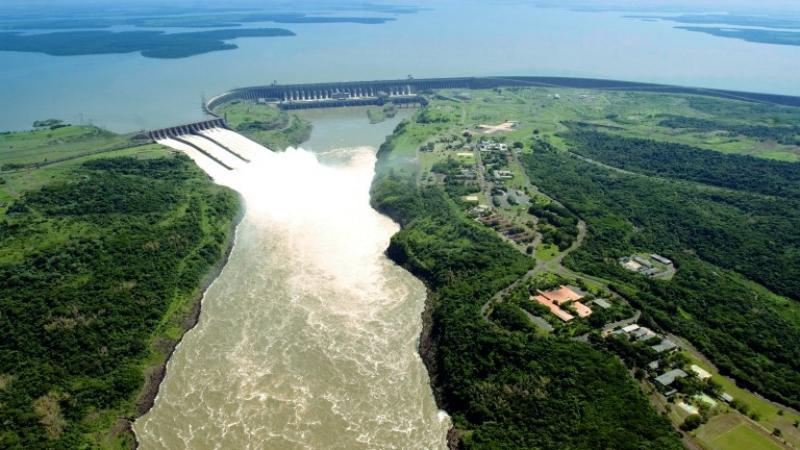 Vista aérea, Central Hidroeléctrica de Itaipu